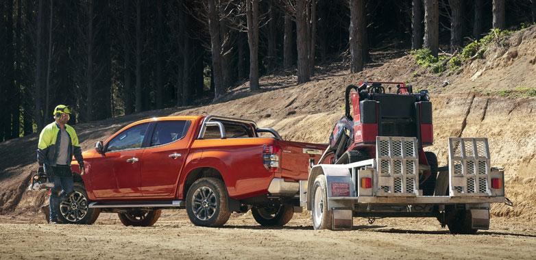 Mitsubishi-Triton-Towing