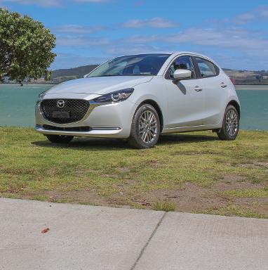 Mazda2 mobile